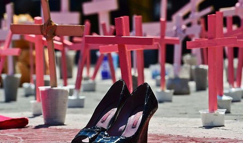 Feminicidios se duplican en México; 890 mujeres muertas