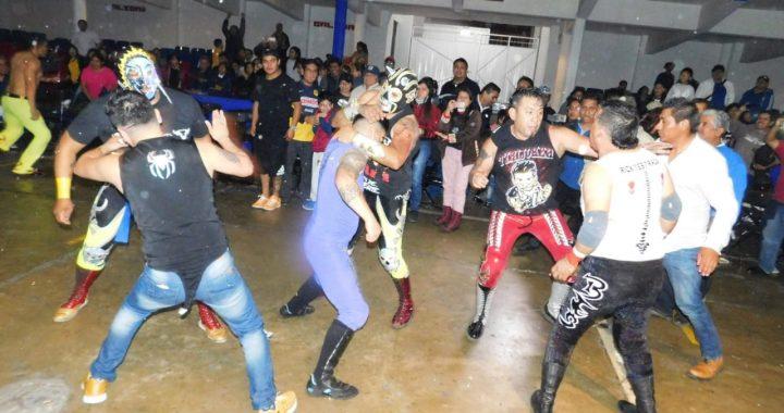 Explosión de pasión navideña en la Arena Xalapa