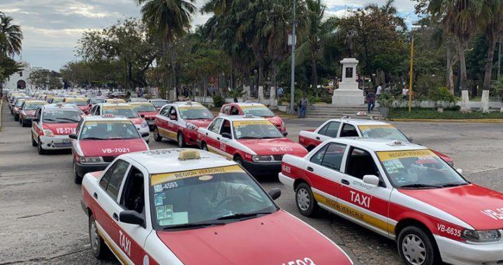 Taxistas de Veracruz hacen manifestación contra InDriver