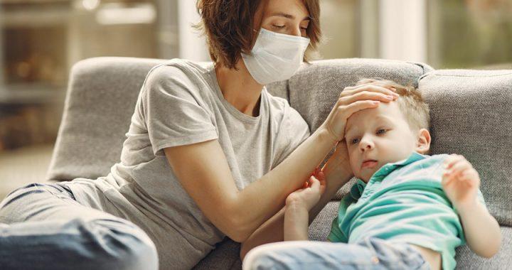 Nueva cepa de Covid-19 ataca a jóvenes y niños