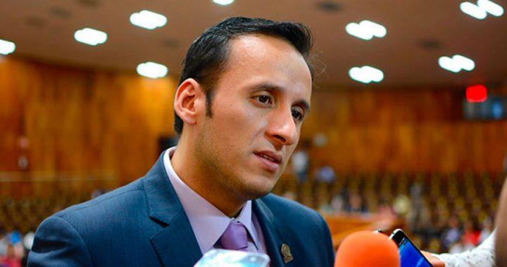 Morena interpone queja contra diputado por actos anticipados
