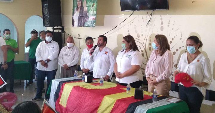 Militantes del PT respaldan la candidatura de Luz Baxzi
