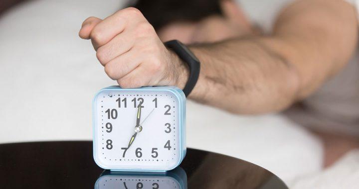 Alertan sobre la ortosomnia ante cambio de horario ¿es peligroso?