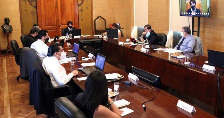 Ratifica Veracruz jornada de vacunación a docentes
