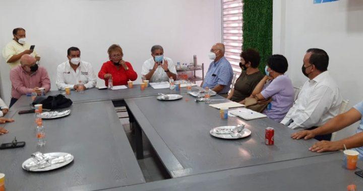 Gabriel Rivera se reúne con empresarios de Coatzacoalcos