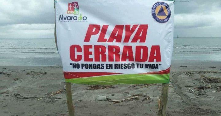 Alvarado impone Ley Seca, así como cierre de panteones y playas