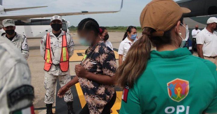Migración retorna vía aérea a migrantes haitianos